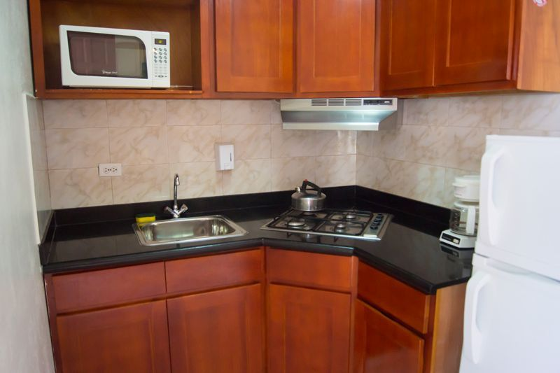 Kitchenette studio ikea top efficiency pre built small for Pre built kitchen units